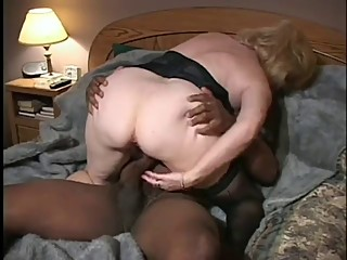 Hot Granny wife Tries A BBC (cuckold)
